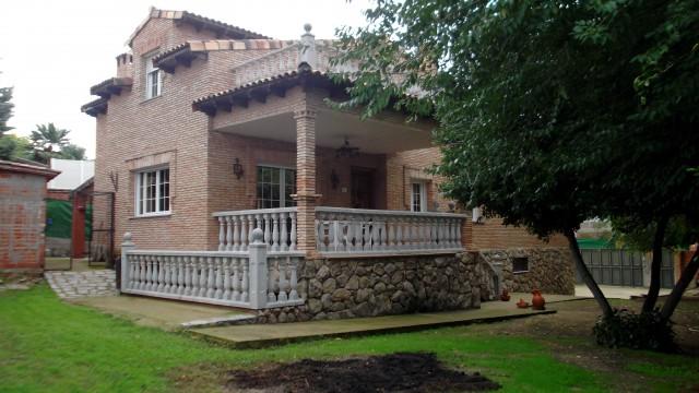 Chalet independiente en venta Méntrida (Toledo)