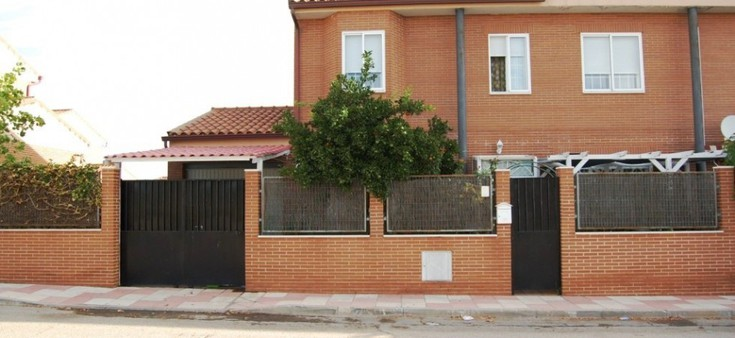 Chalet pareado en venta en El Álamo 5 dormitorios