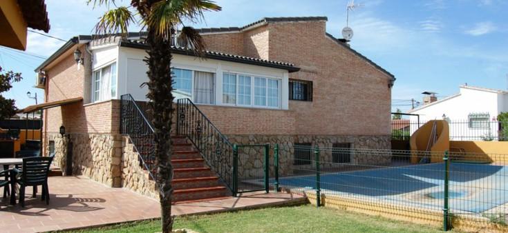 Chalet independiente en venta una planta en El Álamo
