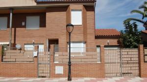 Chalet en alquiler pareado 4 dormitorios en El Álamo