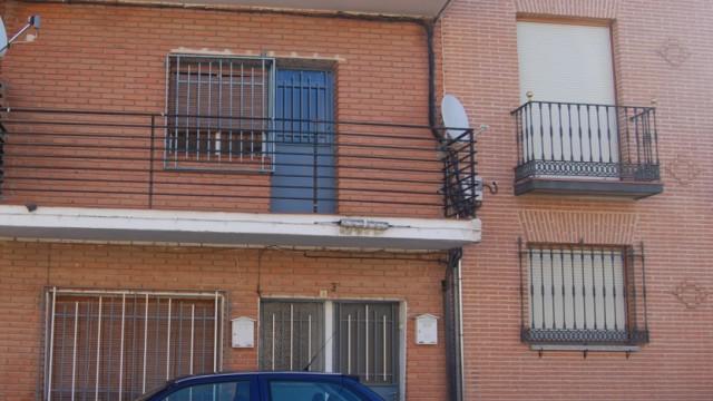 Venta Casa de pueblo en dos plantas con patio en El Álamo