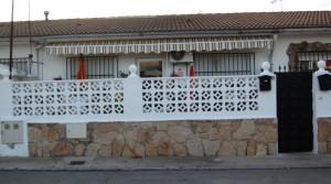 Venta de casa baja adosada en El Álamo