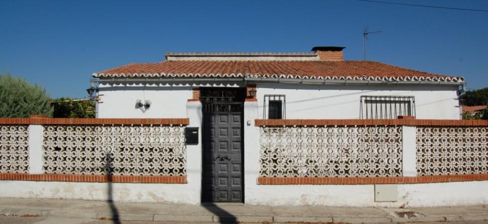 Venta chalet independiente planta baja 4 dormitorios 2 baños en El Álamo