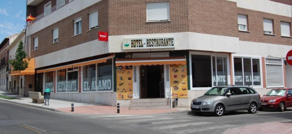Traspaso local cafetera-restaurante El Álamo
