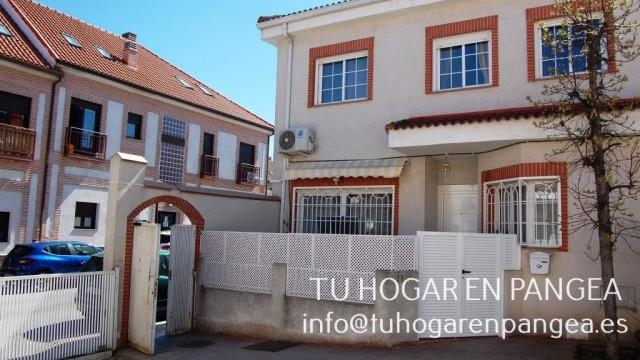 Venta casa adosada esquina en El Álamo